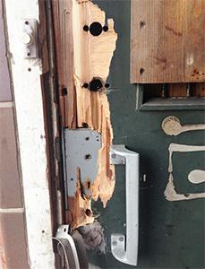 damaged door lock