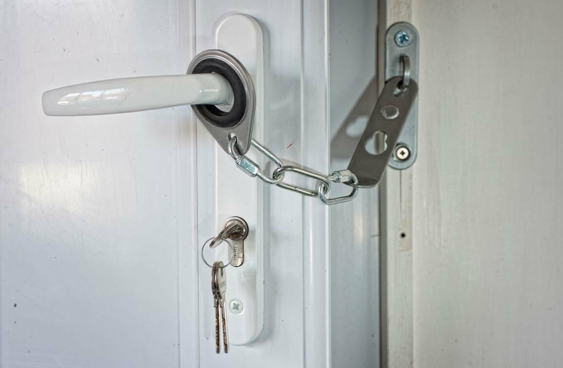 Chaîne de porte pour porte UPVC